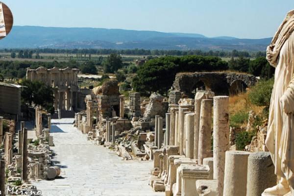 Éfesos, ciudad de templos sagrados y cultura